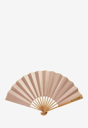 REVOLUTION GLOW FAN - Beauty-accessoire - -