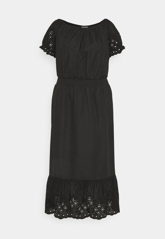 CARLUCIA OFFSHOULDER CALF DRESS PLUS - Korte jurk - black