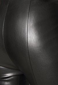 Vero Moda - VMMODANIMA - Bukse - black - 4