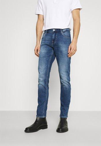 CHRIS - Slim fit jeans - dukes