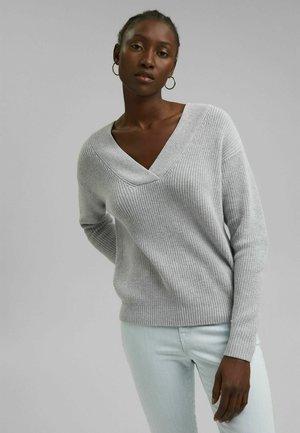 Stickad tröja - light grey 5