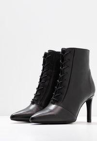 KIOMI - Kotníková obuv na vysokém podpatku - black - 4