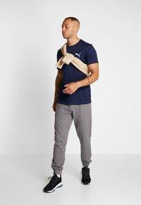Puma - ACTIVE TEE - T-shirts basic - peacoat - 1