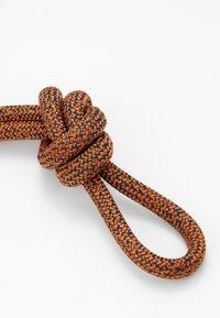 CLOSED - Keyring - hot orange - 2