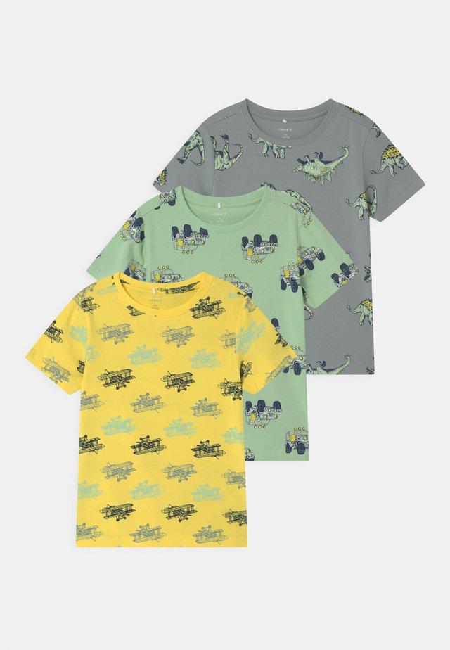 NMMSAZUE 3 PACK - Camiseta estampada - pastel green