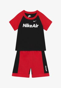 Nike Sportswear - AIR FRENCH BABY SET  - Trousers - black/university red - 3