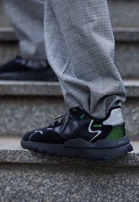 adidas Originals - NITE JOGGER - Matalavartiset tennarit - core black - 7