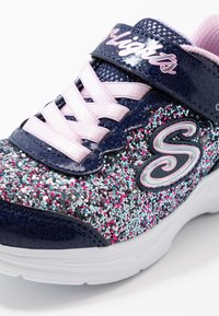 Skechers - GLIMMER KICKS - Tenisky - navy/multicolor/rock glitter/lavender/light pink - 5
