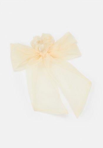 OVERSIZED BOW SET - Hair styling accessory - cream