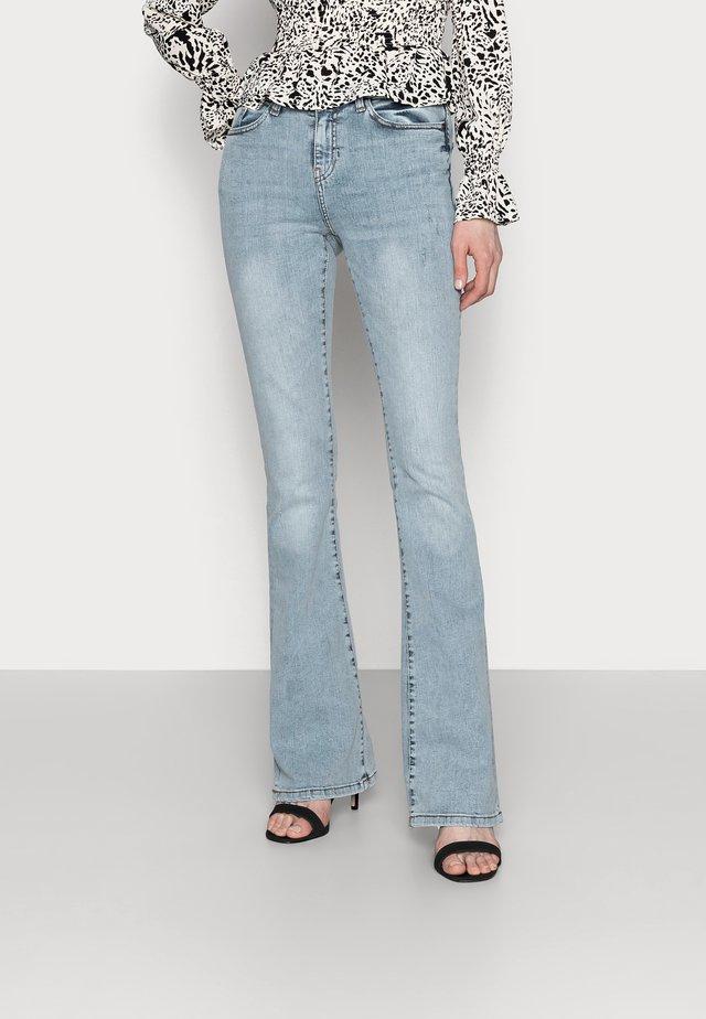 NMMARLI VINTAGE - Flared Jeans - light blue denim