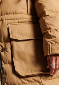 Superdry - EXPEDITION  - Winter coat - sandstone - 5