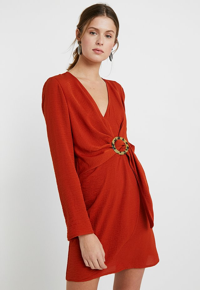 RING - Denní šaty - cinamon