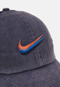 Nike Sportswear - UNISEX - Lippalakki - obsidian - 3