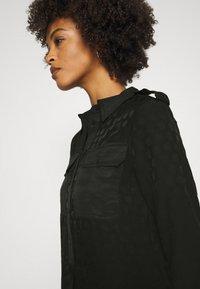 Desigual - TRIESTRE - Abito a camicia - black - 5