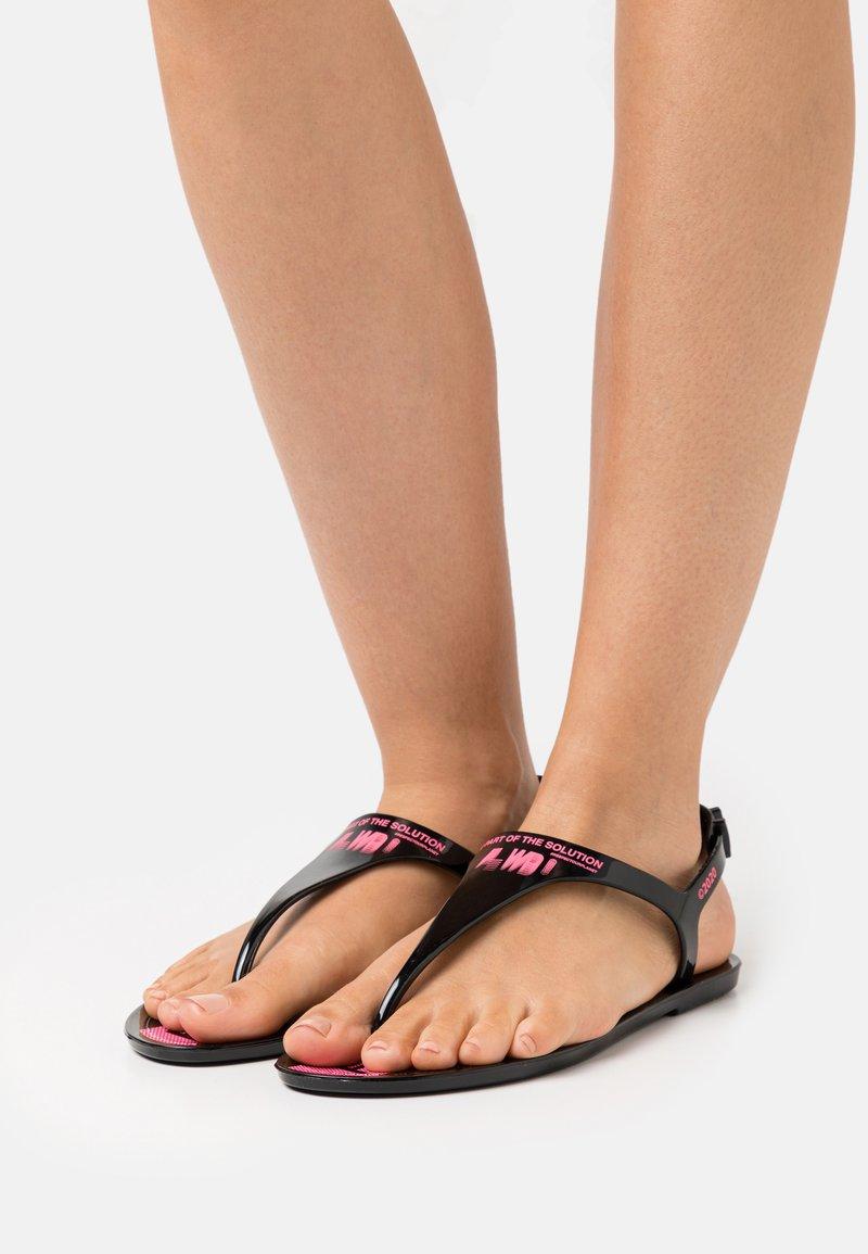 F_WD - Sandály s odděleným palcem - black