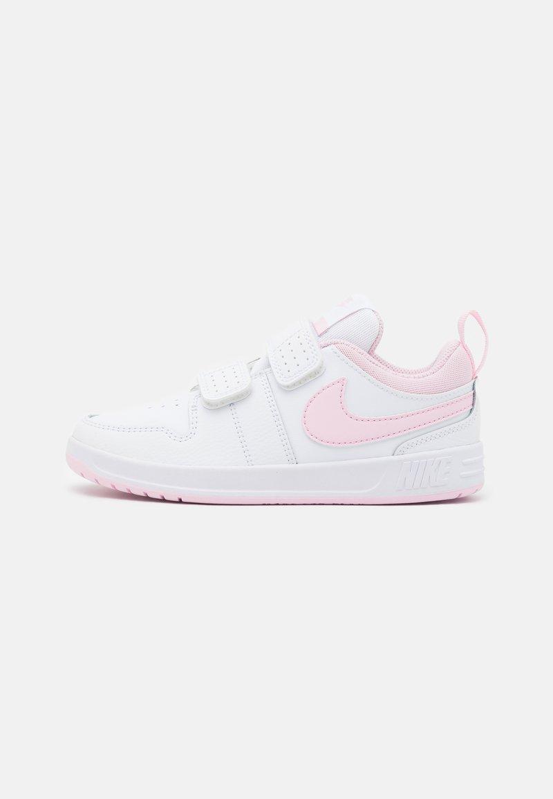 Nike Performance - PICO 5 UNISEX - Sportschoenen - white/pink foam