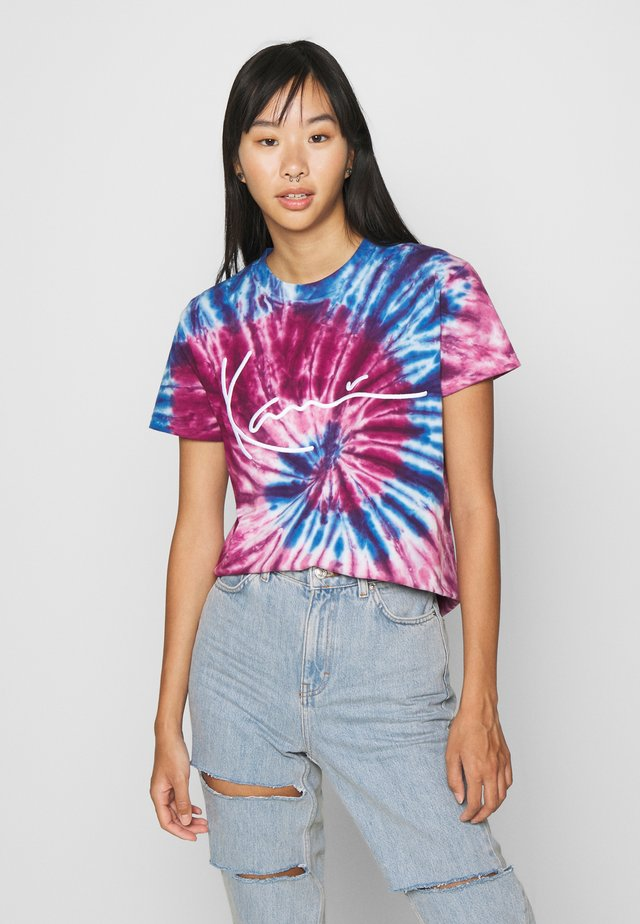 SIGNATURE TIE DYE TEE - Print T-shirt - pink