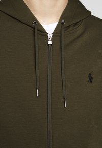 Polo Ralph Lauren - DOUBLE-KNIT FULL-ZIP HOODIE - Tröja med dragkedja - company olive - 7
