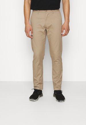 STRAGGLER PANT - Chinot - beige