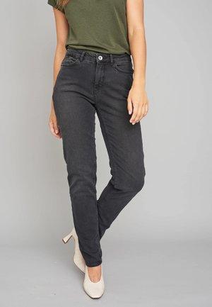 VEGA MIT LÄSSIGEM HIGH-WAIST-SCHNITT - Slim fit jeans - denim