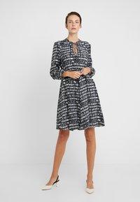 MAX&Co. - DIONISO - Korte jurk - black pattern - 0