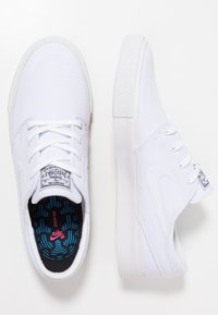 Nike SB - ZOOM JANOSKI UNISEX - Zapatillas - white/light brown/black/photo blue/hyper pink - 1