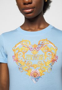 Versace Jeans Couture - TEE - Print T-shirt - blue - 5