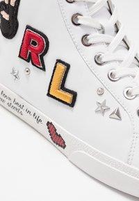 KARL LAGERFELD - SKOOL MULTI PATCH  - Sneakers high - white - 2