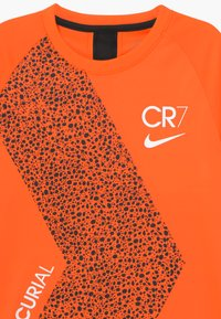 Nike Performance - CR7  - Triko s potiskem - total orange/black/white - 3