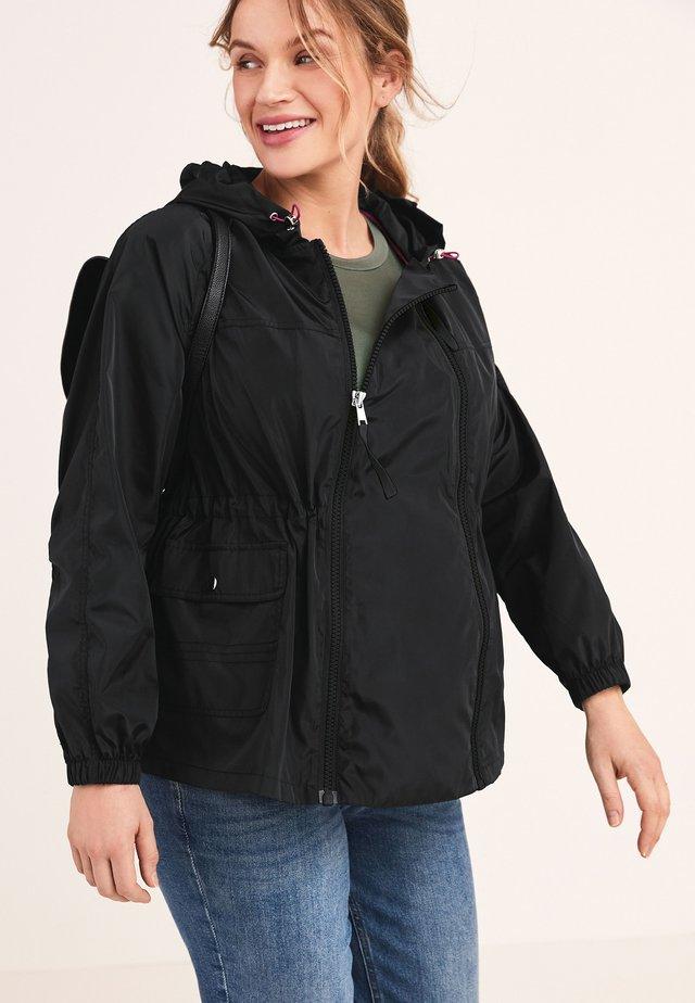 2-IN-1 SHOWER RESISTANT - Lehká bunda - black