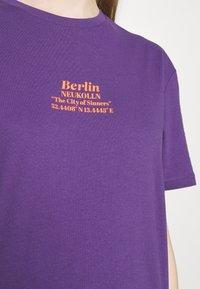 YOURTURN - UNISEX - T-shirt imprimé - purple - 4