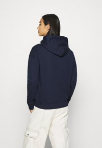 Tommy Jeans - BADGE HOODIE - Huppari - twilight navy - 2