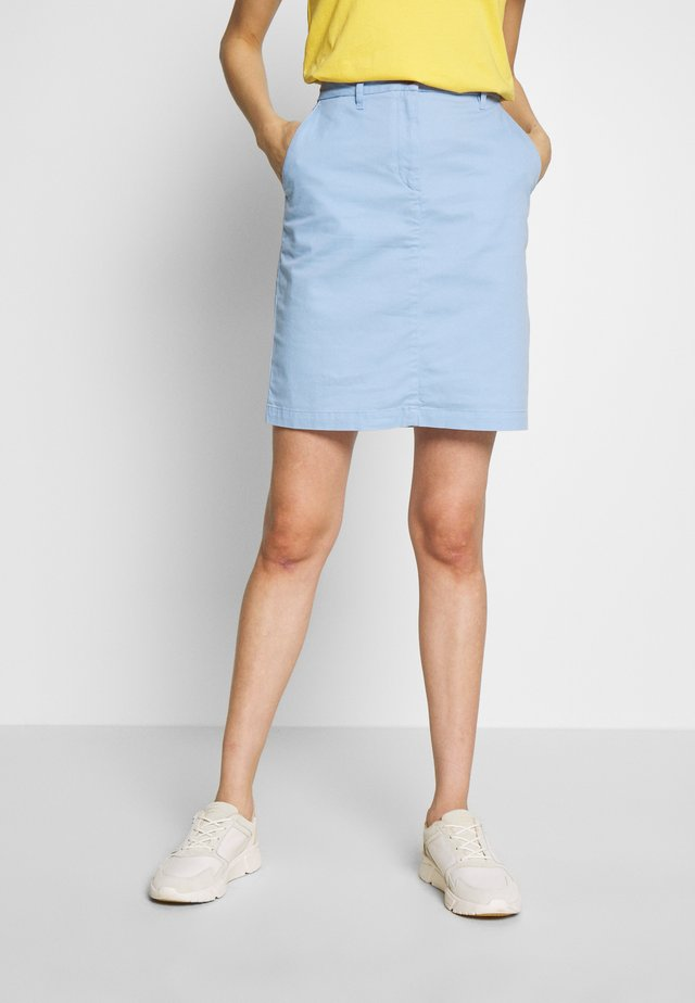 CLASSIC CHINO SKIRT - Bleistiftrock - capri blue