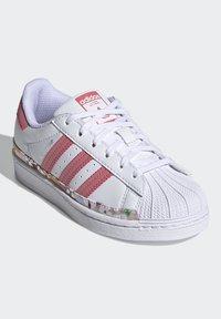 adidas Originals - SUPERSTAR SHOES - Sneakers laag - ftwr white/hazy rose/hazy rose - 2
