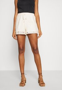 Vero Moda - VMOLEA - Shorts - birch - 0