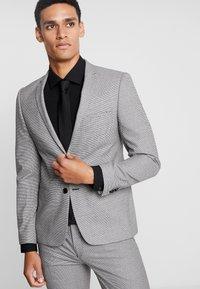 Viggo - LOFOTEN SUIT - Suit - black/white - 2