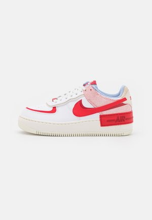 AIR FORCE 1 SHADOW - Sneakersy niskie - summit white/university red/gym red/sail