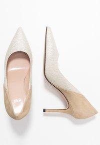HUGO - High heels - gold - 3
