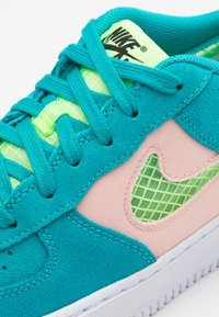 Nike Sportswear - AIR FORCE LV8 FRESH AIR - Trainers - oracle aqua/ghost green/washed coral/white - 5
