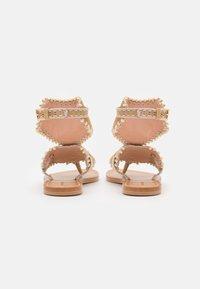 Alberta Ferretti - Sandály s odděleným palcem - brown - 3