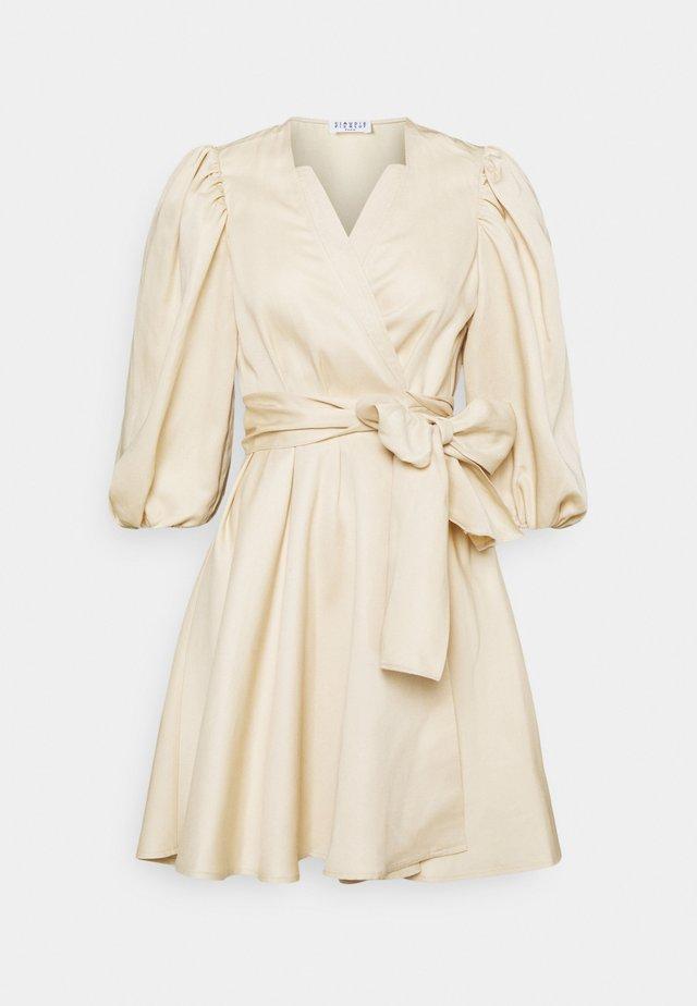 RAYMONDEBIS - Korte jurk - creme