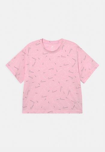 TEE BOXY - T-shirt con stampa - pink foam