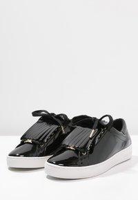 MICHAEL Michael Kors - KEATON KILTIE - Sneaker low - black - 4
