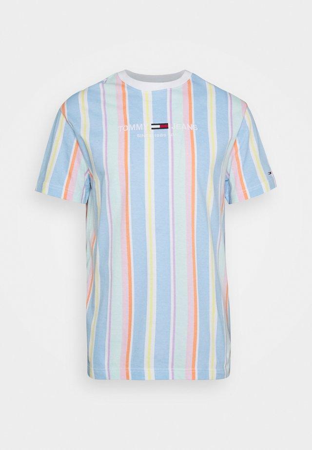 STRIPE TEE - T-shirt con stampa - light powdery blue