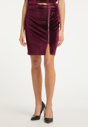 Pencil skirt - bordeaux