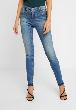 CLOU - Slim fit jeans - persan