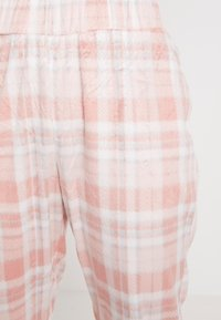 Dorothy Perkins - CHECK POLAR BEAR SET - Pyjamas - pink - 5