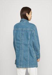 Lee - RELAXED RIDER JACKET - Denim jacket - blue denim - 2