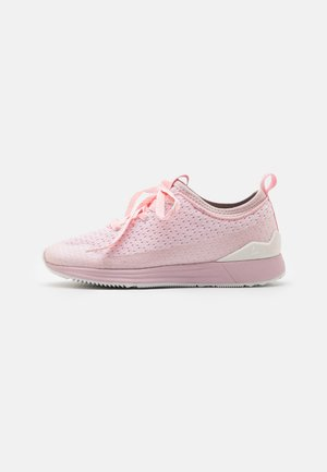 LUHTA IISI MS - Sneakers laag - baby pink