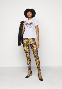 Versace Jeans Couture - TEE - Print T-shirt - optical white - 1
